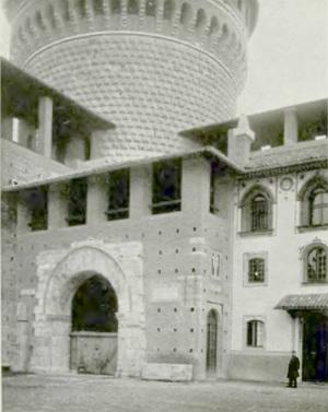 L'arco della pusterla dei Fabbri al Castello